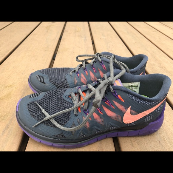 differently 5a3f0 f9b55 Nike Free 5.0 women's Multicolor Sneakers size 8
